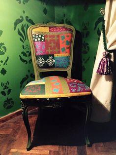 silla pintada estilo boho