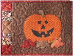Pumpkin Mug Rug + Free Quilt Binding Tutorial