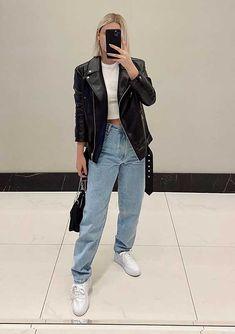 30 produções para você testar em março - Guita Moda T Shirt Branca, Looks Jeans, Diamonds In The Sky, Skinny, Rihanna, Style Icons, Casual, Ideias Fashion, Mom Jeans