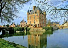 Les Plus Beaux Villages de France Honfleur, Fontainebleau, Pictures Online, Belle Photo, Mansions, House Styles, Gardens, Public Garden, 12th Century