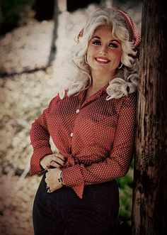 Dolly Parton Turns 40 http://www.visitmysmokies.com/blog/pigeon-forge/attractions-pigeon-forge/dolly-parton-turns-40/