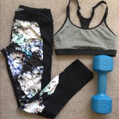 Cynthia Rowley Athletic Leggings Full length Cynthia Rowley athletic leggings. Blue and grey floral design. Sad to see these go but need to make room in my closet!  Great for running and yoga! Cynthia Rowley Pants Leggings