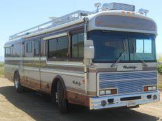 1987 - 1988 Wanderlodge FC models have distinctive large grill Bus Camper, Campers, Bluebird Buses, Rv Motorhomes, Blue Bird, Trucks, Models, Big, Vintage