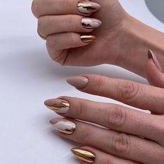 Classy Nails, Fancy Nails, Stylish Nails, Trendy Nails, Simple Acrylic Nails, Best Acrylic Nails, Oval Nails, Gold Nails, Gold Nail Art