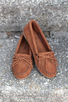 Minnetonka: Kilty Moccasin {Brown} - The Fair Lady Boutique - 1
