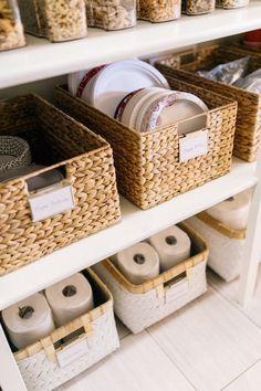 Small Pantry Organization, Pantry Storage, Organization Hacks, Kitchen Storage, Organized Pantry, Pantry Ideas, Kitchen Cupboard, Organizing Tips, Pantry Shelving