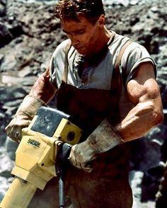 BROTHERTEDD.COM Fitness Gym, Fitness Motivation, Arnold Motivation, Weight Lifting Motivation, Arnold Schwarzenegger Bodybuilding, Arnold Bodybuilding, Predator, Old Bodybuilder, 1990 Movies