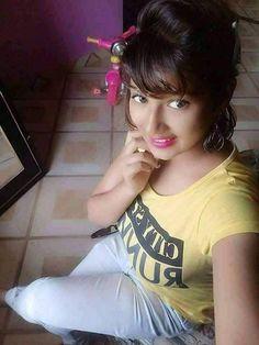 School Girl Pics, Just For Men, Indian Girls, Indian Beauty, Cute Girls, Desi, T Shirts For Women, Princess, Atc