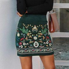 Green Mini Skirt, Floral Mini Skirt, Skirt Fashion, Boho Fashion, Fashion Outfits, Fashion Clothes, Fashion 2017, Fashion Online, Womens Fashion