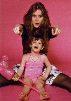Little Liv Tyler with her mum Bebe Buell Bebe Buell, Steven Tyler Aerosmith, Todd Rundgren, Renee Zellweger, Liv Tyler, Music Love, Audrey Hepburn, Rock And Roll, Actors & Actresses