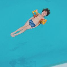 little ^ swimmer