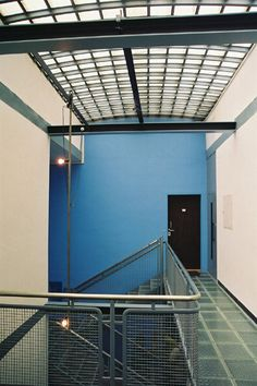 Lloyd Wright, Le Corbusier, Ireland, Loft, Architecture, Outdoor Decor, Furniture, Home Decor, Arquitetura