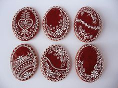 hungarian cookies eggs (by Moha Konyha) Lace Cookies, Honey Cookies, Sugar Cookies, Honey Cake, Valentines Day Cookies, Easter Cookies, Gingerbread Decorations, Gingerbread Cookies, Hungarian Cookies