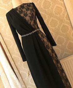 "www.lidyamoda.com on Instagram: ""✨✨Yepyeni Dantel Detay Abiyemiz✨✨Fiyat: 540 TL 38-40-42-44 .. www.lidyamoda.com👈🏻 .. Bilgi ve sipariş için ☎02125219444…"" Black Evening Dresses, Cheap Evening Dresses, Prom Dresses, Hijab Dress Party, Hijab Style Dress, Abaya Fashion, Muslim Fashion, Fashion Dresses, Muslim Prom Dress"