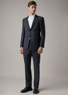 Fine materials and design for this Regular Fit Fully Canvassed Trader Blu Range Suit In Levantine by Giorgio Armani Men. Take a look at the official online store now. Biker Style, Jacket Style, Suit Jacket, Giorgio Armani, Armani Suits, Armani Men, Smoking, Military Style Jackets, Stylish Mens Fashion