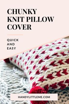 Chunky knit pillow cover. Make a super bulky knit pillow cover with this free pattern. perfect for Christmas decor. #Christmaspillow #chunkyknitpillow #pillowcover #knitting #knit Christmas Knitting Patterns, Baby Knitting Patterns, Knitting Stitches, Crochet Patterns, Knitting Ideas, Knitting For Kids, Simple Knitting, Free Knitting, Quick Knits