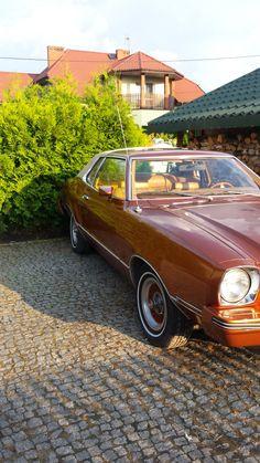 Ford Mustang II 1976 r prezentuje się następująco