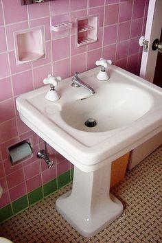 bathroom detail by tudorhead - DECOmyplace Projects