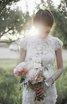 lace Sheena Smith Bridal Portraits FE 046  Britt Chudleigh photo and honey of a thousand flowers
