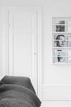 Via Ollie and Sebs Haus | Grey White mounted magazine rack