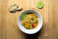 Kalorienarm: Shirataki-Nudeln im Thaicurry mit Putenfleisch und Kokosmilch