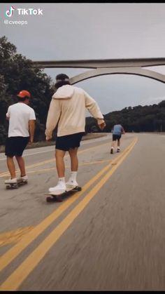Moda Aesthetic, Aesthetic People, Film Aesthetic, Summer Aesthetic, Aesthetic Videos, Skateboard Design, Skateboard Girl, Skateboard Videos, Fille Gangsta