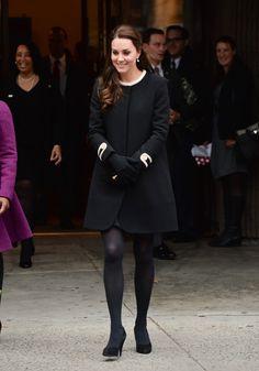 Kate Middleton incinta del secondo figlio e prossima alla scadenza, ha uno stile davvero reale in fatto di outfit e look da gravidanza