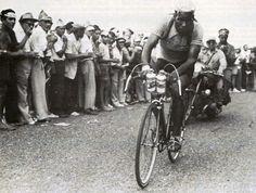 Abdelkader Zaaf - Abdelkader Zaaf werd beroemd door zijn dronken prestaties tijdens de Tour de France .