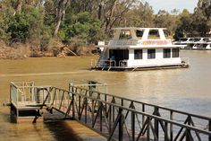 'Froth and Bubbles' ... perfect way to cruise the Murray River (at Echuca)