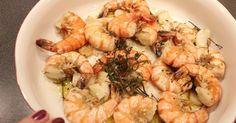 Scampis mediterranée, Scampis, Krabben oder Langusten in der Pfanne in Olivenöl und frischen Kräutern gebraten. Einfach, schnell und lecker. Und hier ist das Rezept http://wolkenfeeskuechenwerkstatt.blogspot.com/2012/01/scampis-mediterranee-mit-feldsalat.html