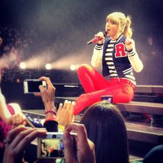 Welcome to your #1 source for Taylor Swift on tumblr. We do our best to bring you the latest news, pictures, and videos faster than taylornation. contact: tswiftdaily.tumblr@gmail.com ask: @tsdpersonal Located in Los Angeles. Taylor Swift Red Tour, Taylor Swift Concert, Red Taylor, Taylor Alison Swift, Swift Tour, Loving Him Was Red, Ethel Kennedy, Swift 3, Taylor Swift Pictures