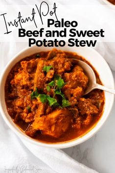 This Instant Pot Beef and Sweet Potato Stew is super easy to whip up and is so delicious. This Paleo approved dish is sure to become a new favorite! Healthy Soup, Healthy Recipes, Healthy Meals, Yummy Recipes, Seafood Recipes, Dinner Recipes, Dinner With Ground Beef, Stewed Potatoes, Seafood Dinner