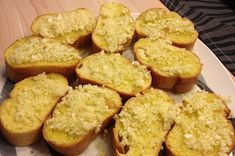 rezept_vorspeise_knoblauchbag Muffin, Bruschetta, Breakfast, Food, Crickets, Food Portions, Homemade, Food Food, Simple