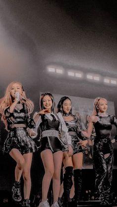 Black Pink Songs, Black Pink Kpop, Kim Jennie, South Korean Girls, Korean Girl Groups, My Girl, Cool Girl, Blackpink Poster, Blackpink Memes