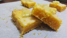 Citroen brownies maar dan geel met citroen ipv chocolade