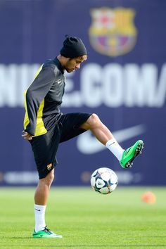 Neymar of FC Barcelona juggles the ball during a training session ahead the UEFA Champions League quarter-final second Leg match against Manchester City at the Sant Joan Despi Sport Complex on March 11, 2014 in Barcelona, Catalonia.