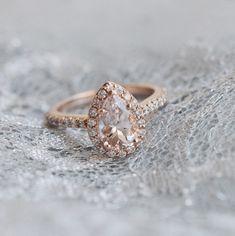 pear diamond + rose gold