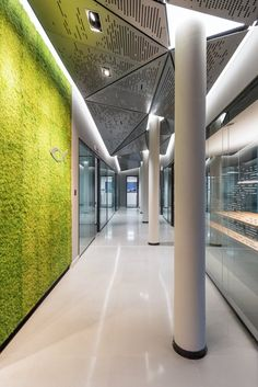 ENG - We worked with the architect Nicola De Pellegrini and his office Anidride Design on a major project for Blackfin, the internationally recognised eyewear company, designing the interiors of its new headquarters, opened in celebration of the...