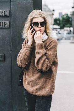 Street Style Alta Costura Paris 2016 /// Jersey oversize con detalles en los codos