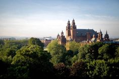 Insiders' Guide to Glasgow, Scotland