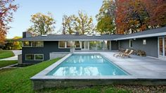 Google Image Result for http://www.graceinottawa.com/images/Contemporary-Home-Blended-With-Surrounding-Woods-0.jpg