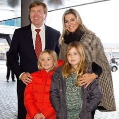 01-02-2015 Queen Maxima, King Willem-Alexander, Princess Alexia and Princess Ariane at Jumping Amsterdam in the RAI.