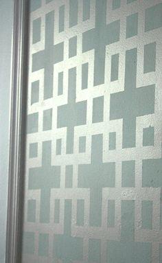 8-31-door-close-up.gif
