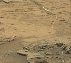Oryginalny obraz przesłąny przez Curiosity