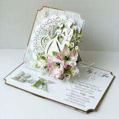 Ślubna kartka, której forma łączy kartkę sztalugową i zwykłą w jednym.:  Wersja zielona:               Wersja różowa: