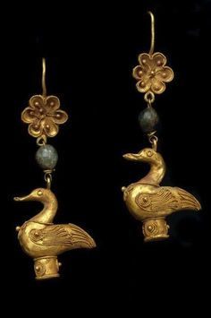 Ancient Greek golden earrings,Hellenistic period 2nd-1st c.BC.