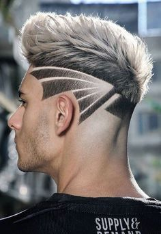 We brought 5 Cool Haircuts for Men that you could have right before the new year's eve. Man Bun Hairstyles, Cool Hairstyles For Men, Cool Haircuts, Haircuts For Men, Creative Haircuts, Medium Hairstyles, Wedding Hairstyles, Hair Designs For Men, Fade Designs