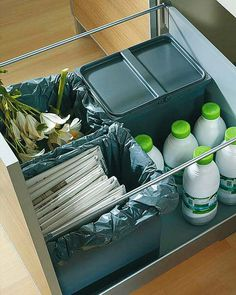 love this idea for storing recyclables until it's time to take them out.