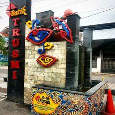 Batik Trusmi, Cirebon, West Java. Visit the batik city today! Booked Your Hotels NOW!