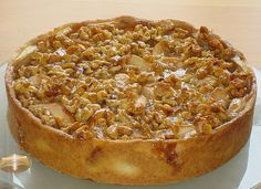Apple pie with walnut cream - Backen - Kuchen Apple Dessert Recipes, No Bake Desserts, Baking Recipes, Cake Recipes, Torte Recipe, Sweet Bakery, Limoncello, Baked Apples, Tasty Dishes